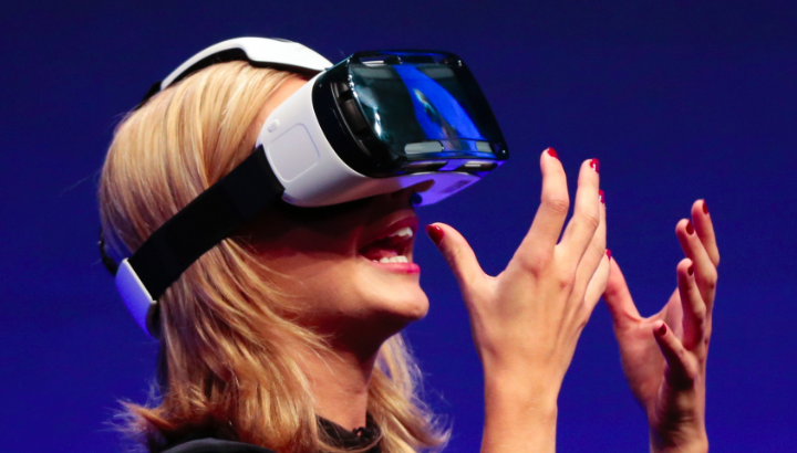 Oculus Lets Customers Visit the Virtual World This Festive Season